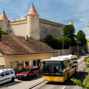 Schloss Grandson aus dem 13. Jahrhundert; einst erfolgreich belagert von Karl dem Kühnen, später Sitz der Bernischen und Fribourger Landvögte