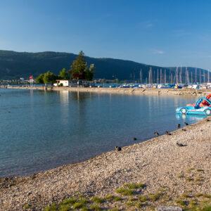 Entspanntes Ausklingen des Tages am Strand von Erlach