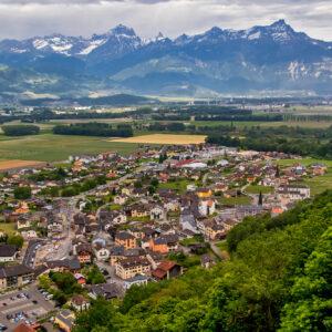 Blick von der Bergstrasse nach Torgon über Vionnaz ins Rhonetal
