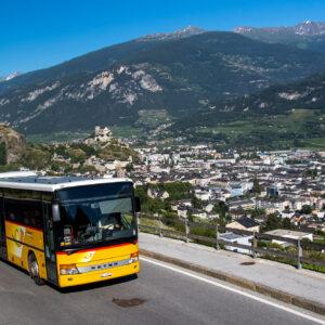Ein Setra oberhalb von Sion, unterwegs in Richtung Savièse