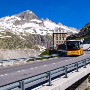 Botschafter der Berge: Das Postauto und das Hotel Belvedere