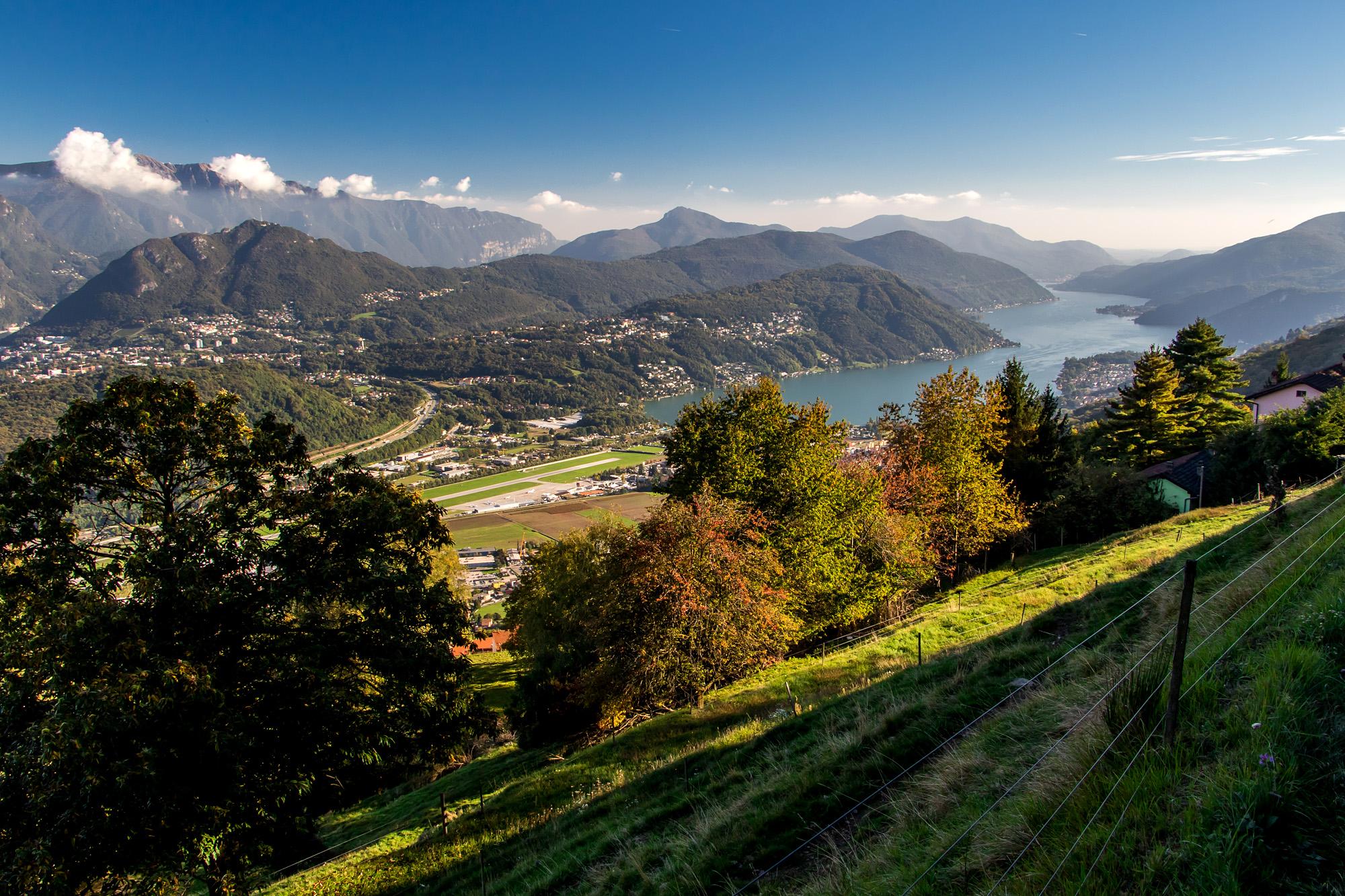 Unter mir liegt Agno, welches auch Luganos Flughafen beherbergt