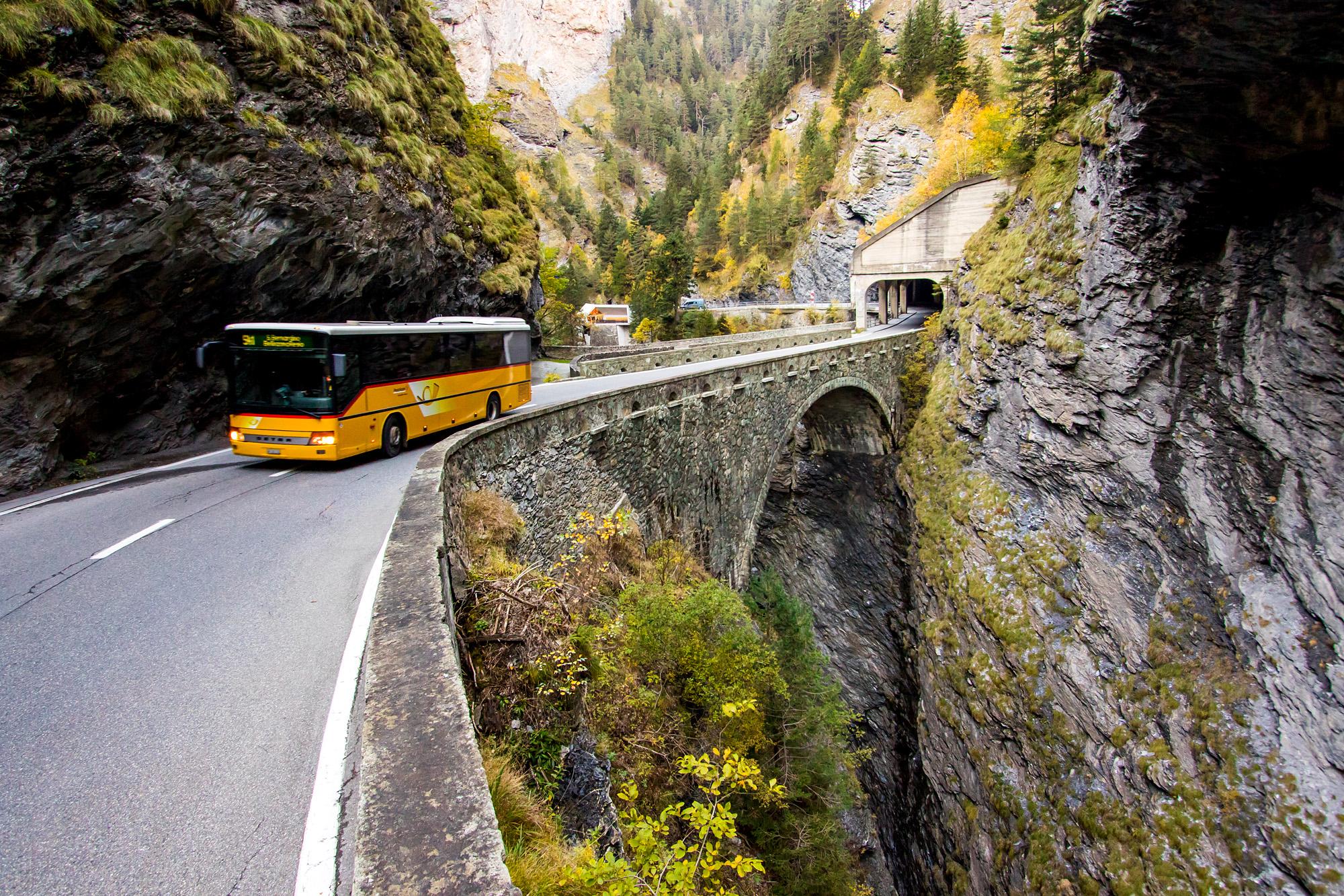 Fahrt durch die legendäre ViaMala-Schlucht