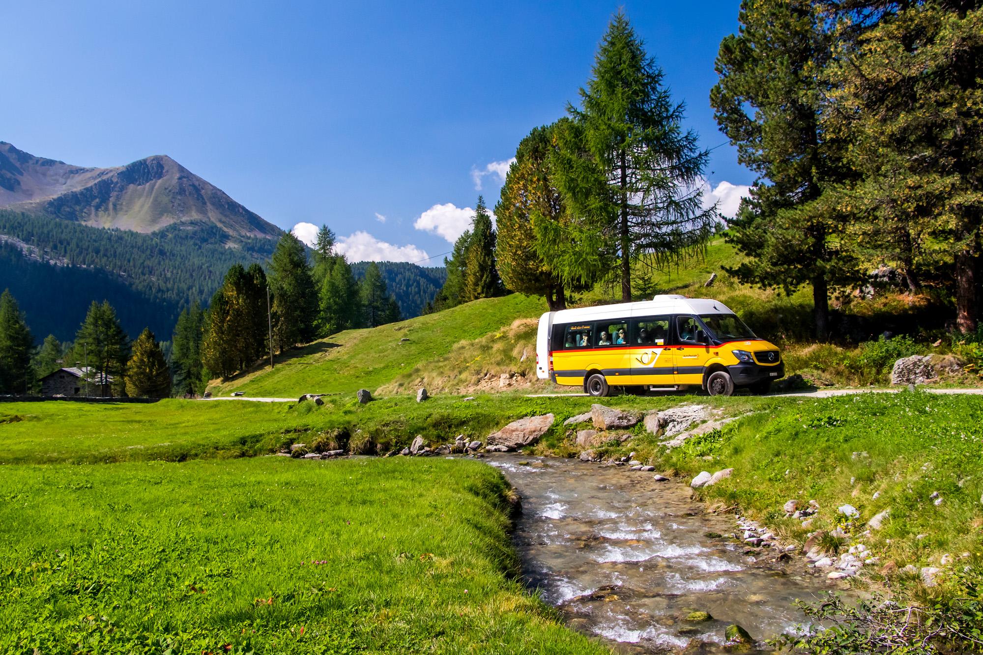 Bergfahrt im idyllischen Val Camp (GR)