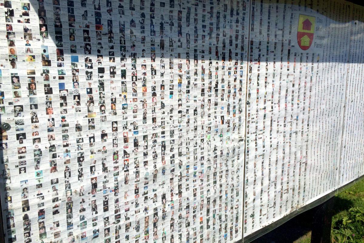 Obermuttens gar nicht virtuelle Facebook-Wall!