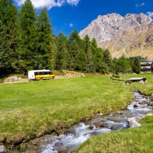 Vom Postauto in die Idylle entführt: Fahrt ins Val Camp