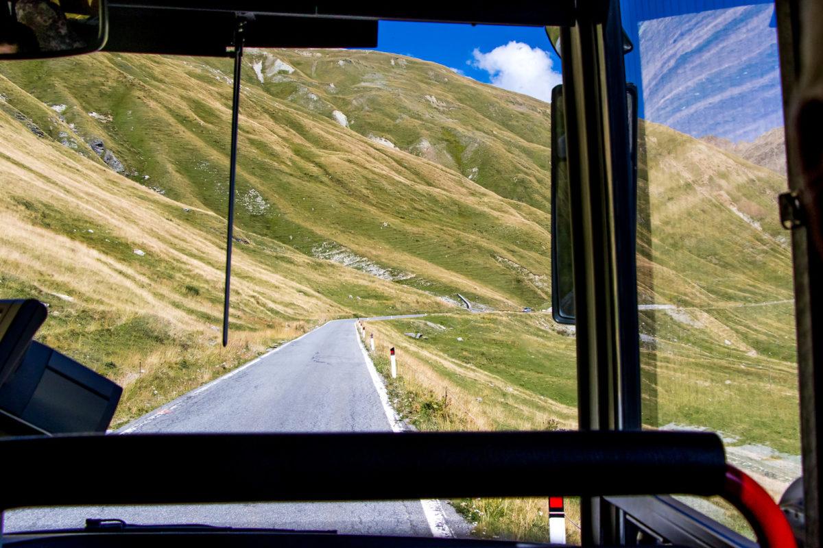 Viel Platz bleibt für unseren Bus nicht!