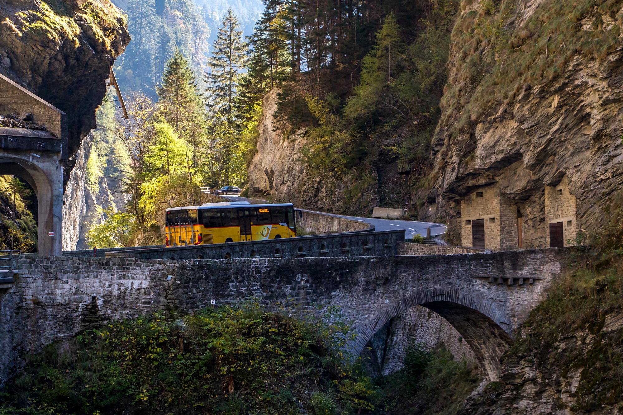 Fahrt auf historischen Pfaden: Seit Jahrhunderten muss durch die Viamala, wer von Chur nach Süden will!
