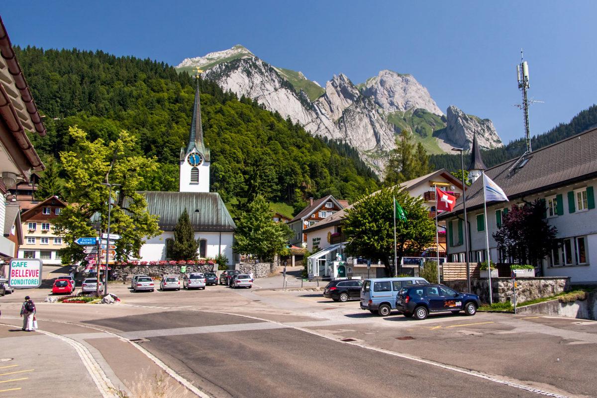 Im Dorfzentrum von Wildhaus