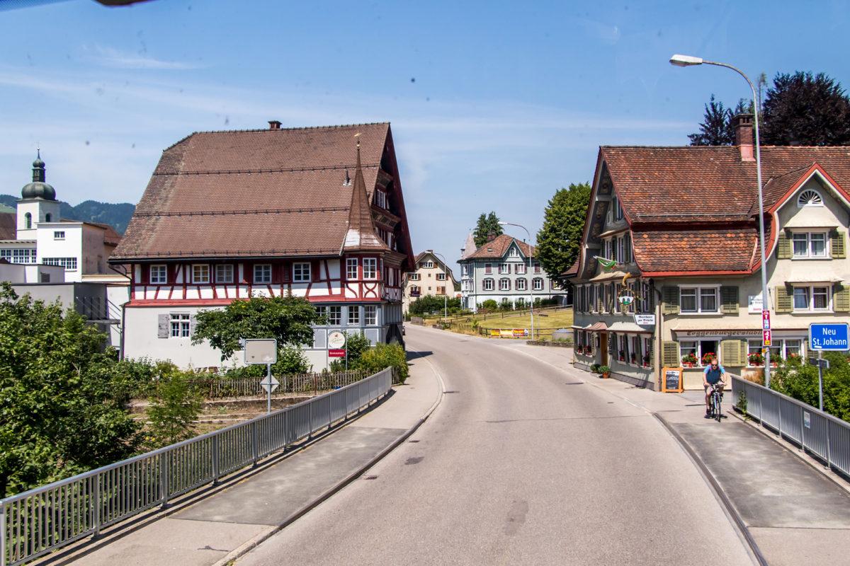 ...und Neu St. Johann