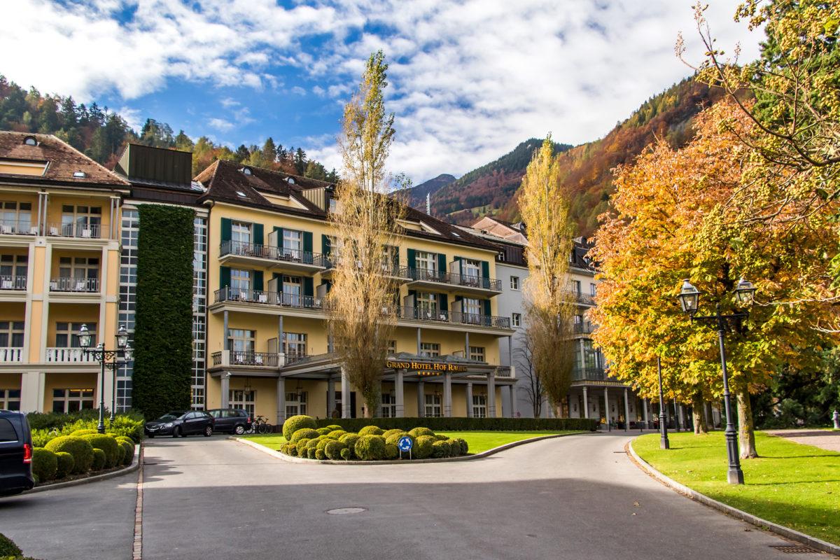 Das Grand Hotel Hof Ragaz, von dem ein Bau noch immer aus der Bäderboom-Zeit stammt.