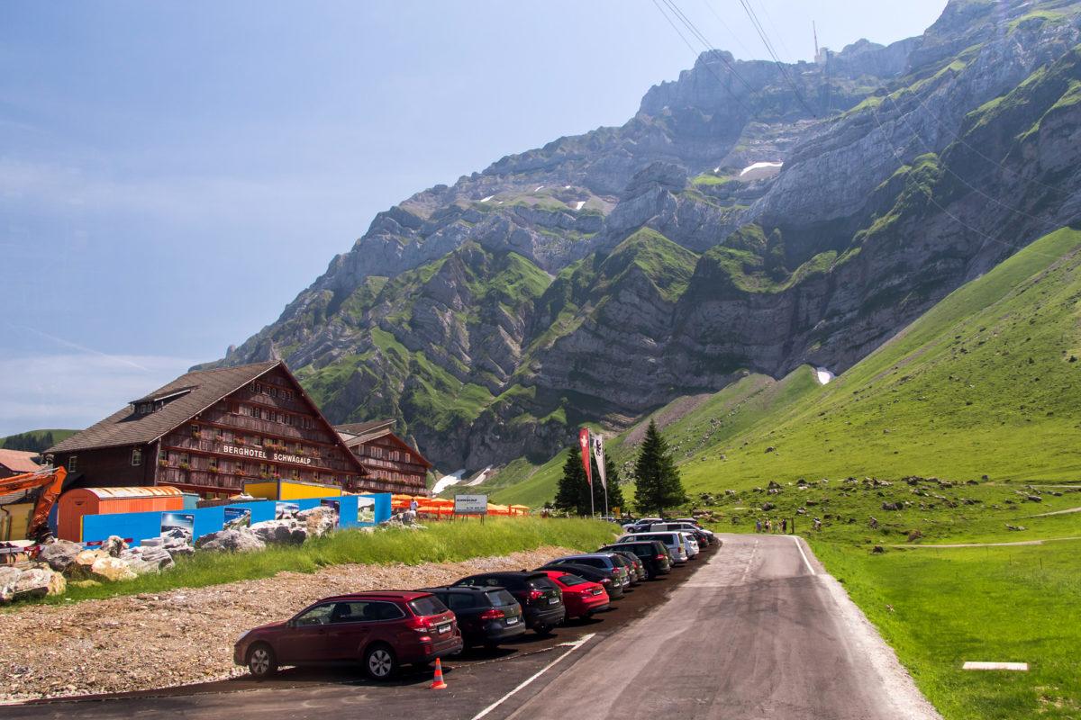...und kurz später auch die Endstation, bei Berghotel und Luftseilbahn