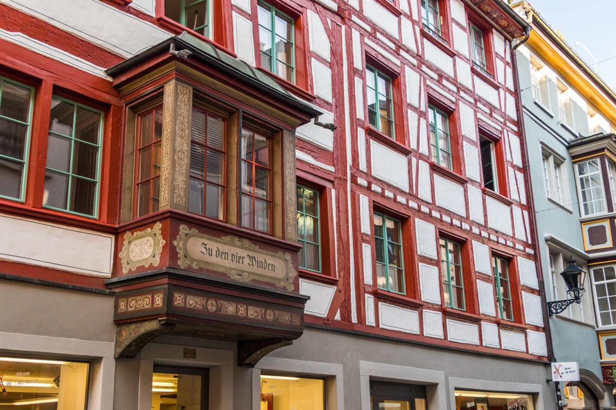 """Riegelhaus """"Zu den vier Winden"""" an der - natürlich - Webergasse"""