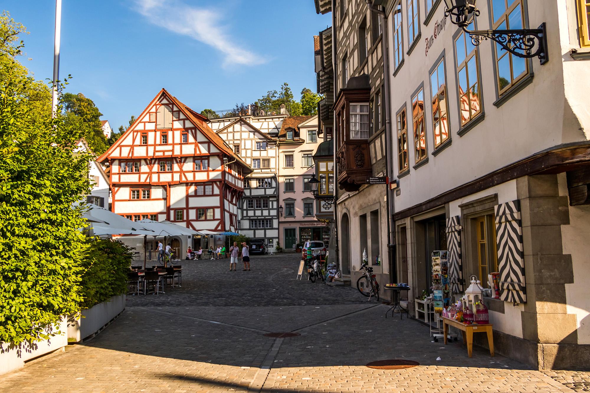 Blick zum Gallusplatz mit seinen spätgotischen Fachwerkhäusern