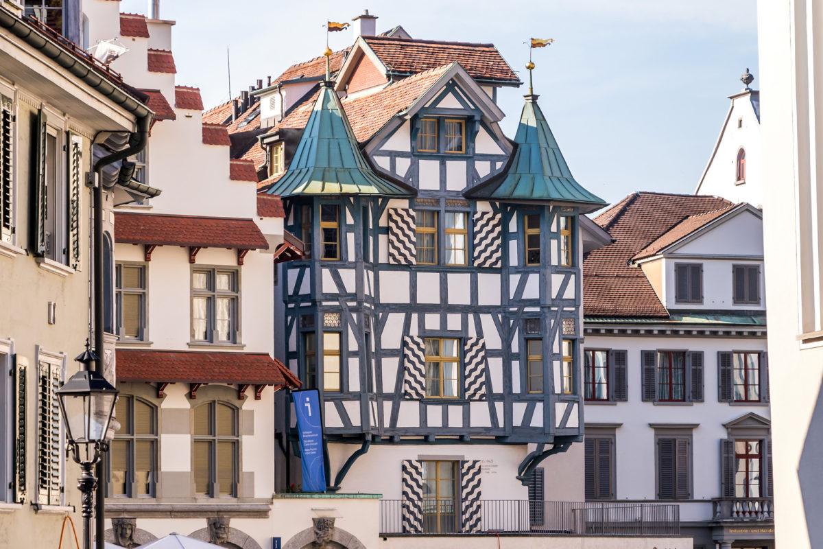 Das Blaue Haus am Klosterplatz, datierend auf das 16. Jahrhundert