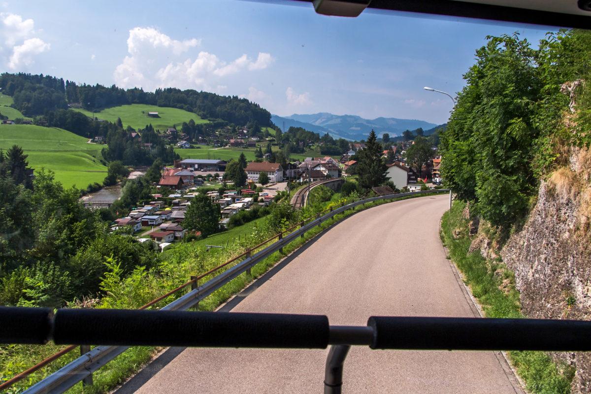 Kurzer Abstieg nach Krummenau