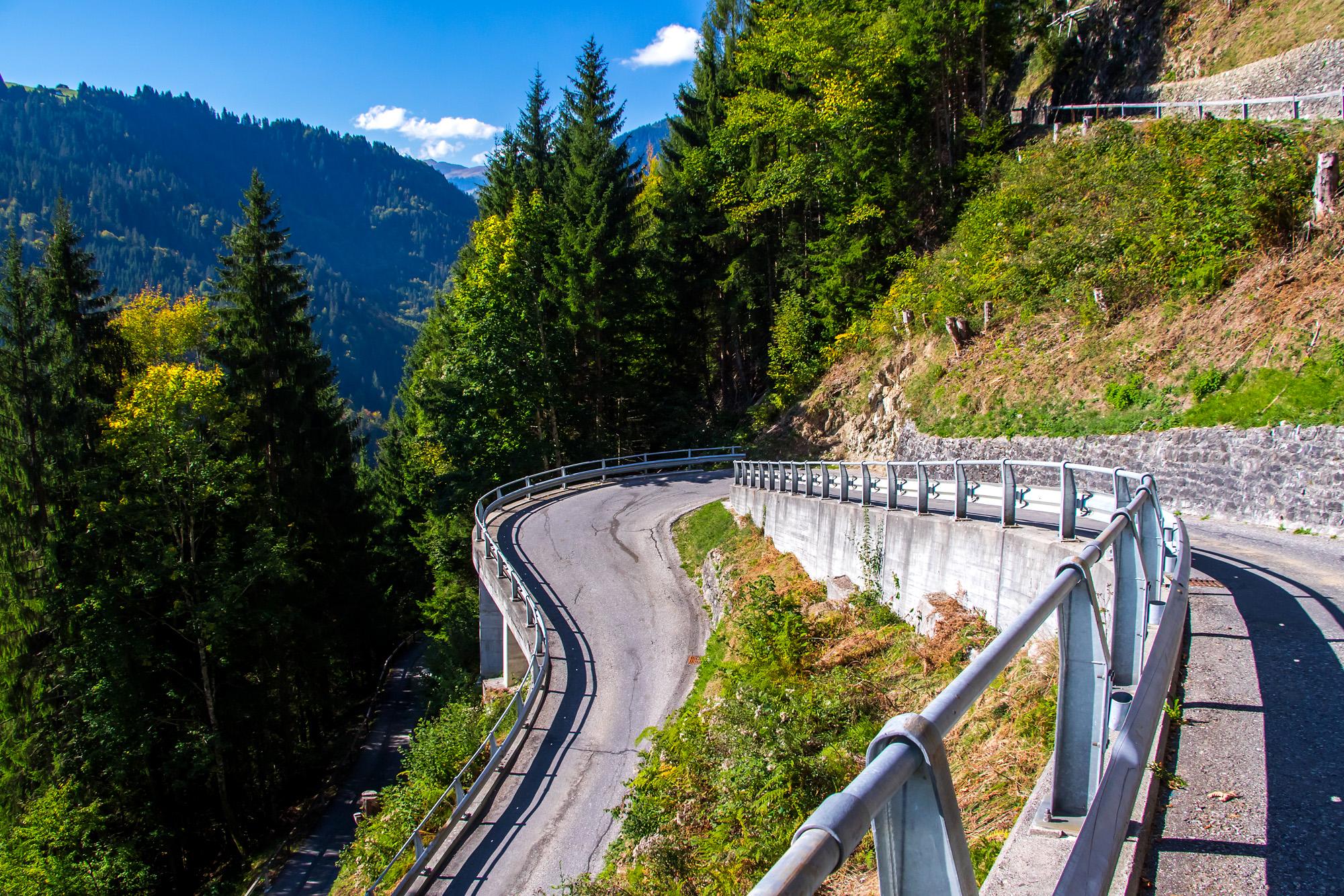 Ein Meisterwerk: Die Bergstrasse nach Schuders
