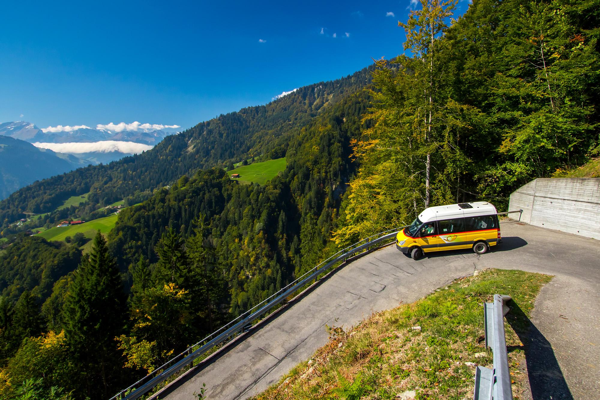 Im Zickzack unterwegs: Die Bergstrecke von Schiers nach Schuders ist doch ziemlich abenteuerlich!