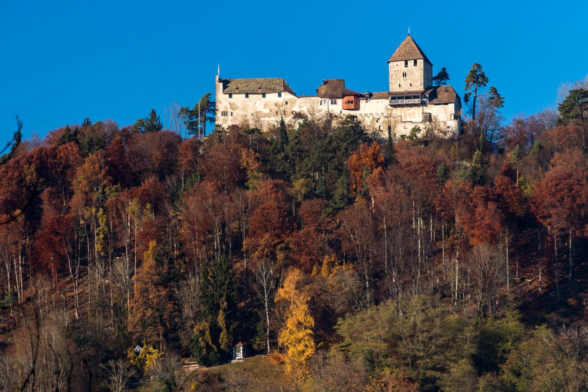 Burg Hohenklingen: Niemals zerstört, und daher noch immer in ihrer ursprünglichen Form erhalten