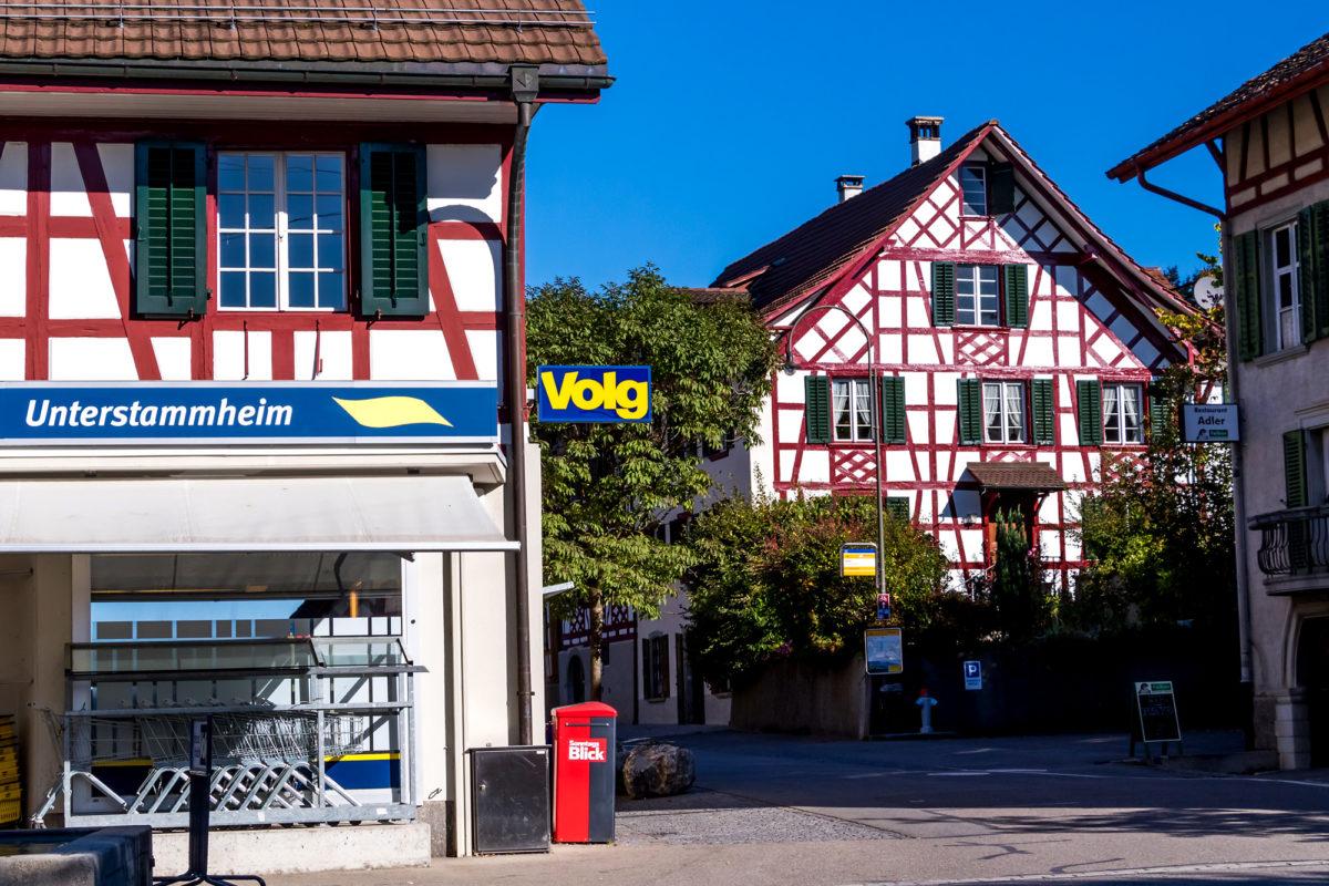 Am Dorfplatz im Zentrum von Unterstammheim