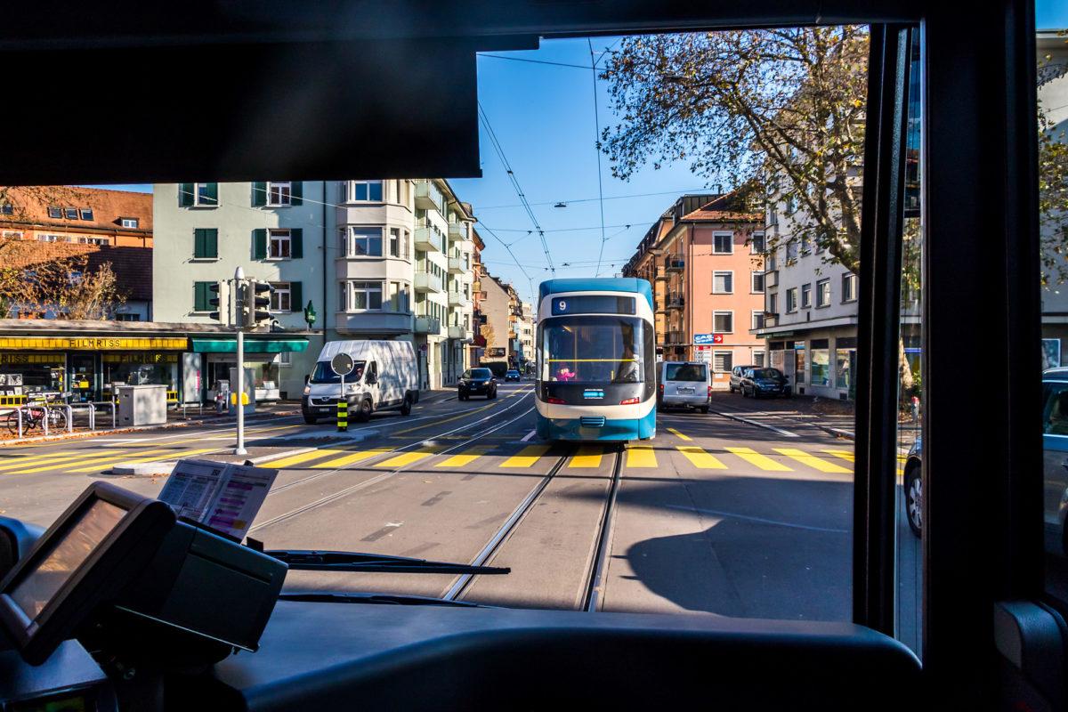 Da fährt man ausnahmsweise sogar mal gerne hinter einem Tram her...:-)